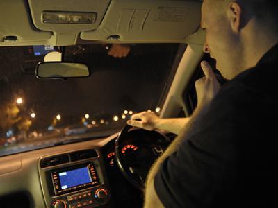 Man geeuwt achter het stuur, binnenkort misschien een verkeersovertreding - IntoLaw