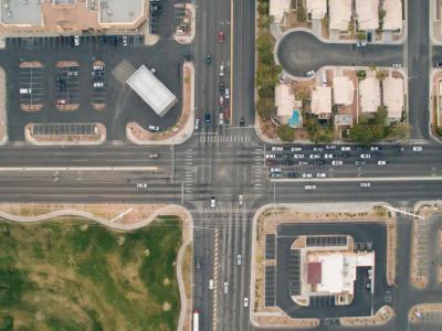 Groot kruispunt waar fietsers veiliger zijn met overtredingen en nadien de boete betwisten – IntoLaw