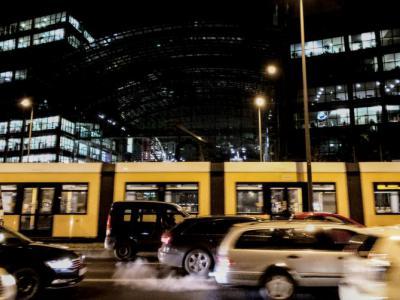 Auto's en tram in het stadscentrum – verkeersboete aanvechten met IntoLaw