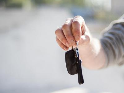 Man geeft sleutels af om geen boete te krijgen bij de alcoholcontrole - IntoLaw