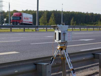 Mobiele flitscamera bezorgt roekeloze bestuurders een snelheidsboete