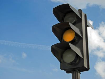 Per ongeluk door rood of oranje gereden? Vraag advies aan de experts van IntoLaw