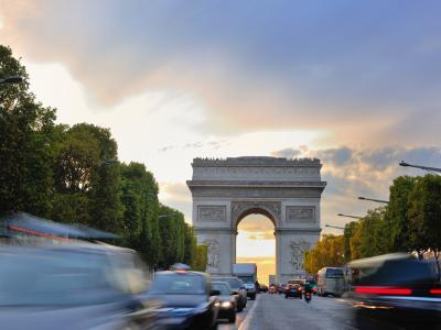 Bestuurders worden geflitst in de omgeving van de Arc de Triomphe