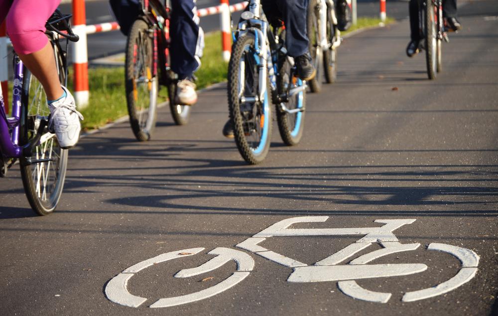 Vlaams-Brabants gedeputeerde Tom Dehaene test elektrische fiets