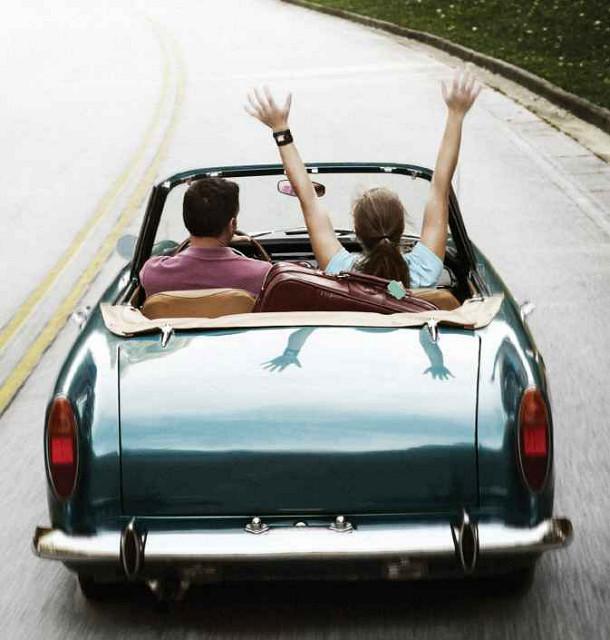 Met de auto op vakantie? Deze verkeersregels gelden in het buitenland.