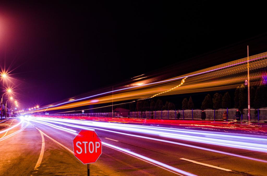 Het verschil tussen de roodlichtcamera en snelheidscamera