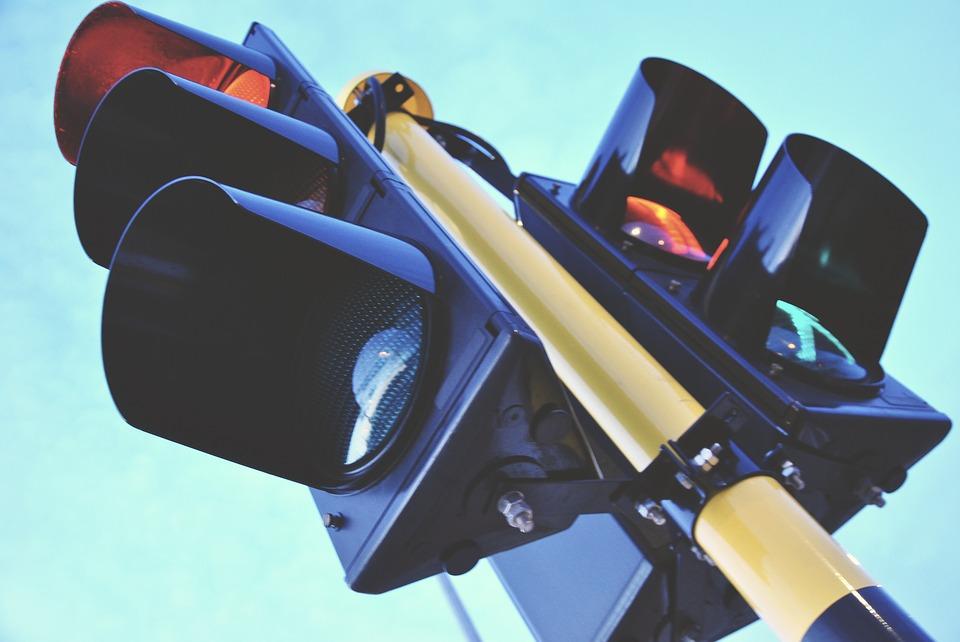 Wanneer krijg ik geen boete voor door rood licht rijden?