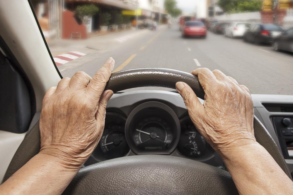 Welke boete krijgen senioren die zonder verzekering rijden?
