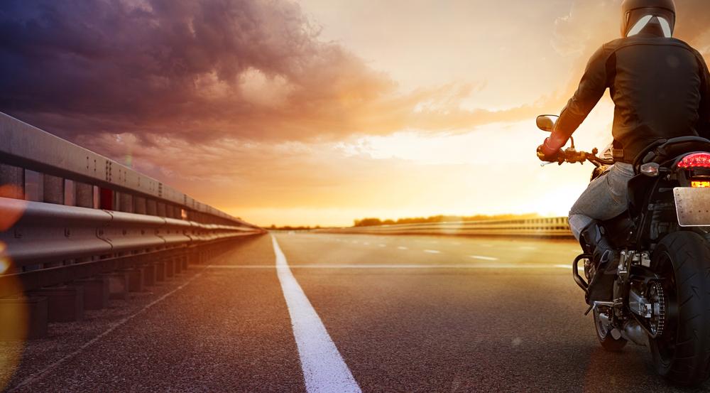 Motards rijden sneller en begaan meer snelheidsovertredingen dan automobilisten