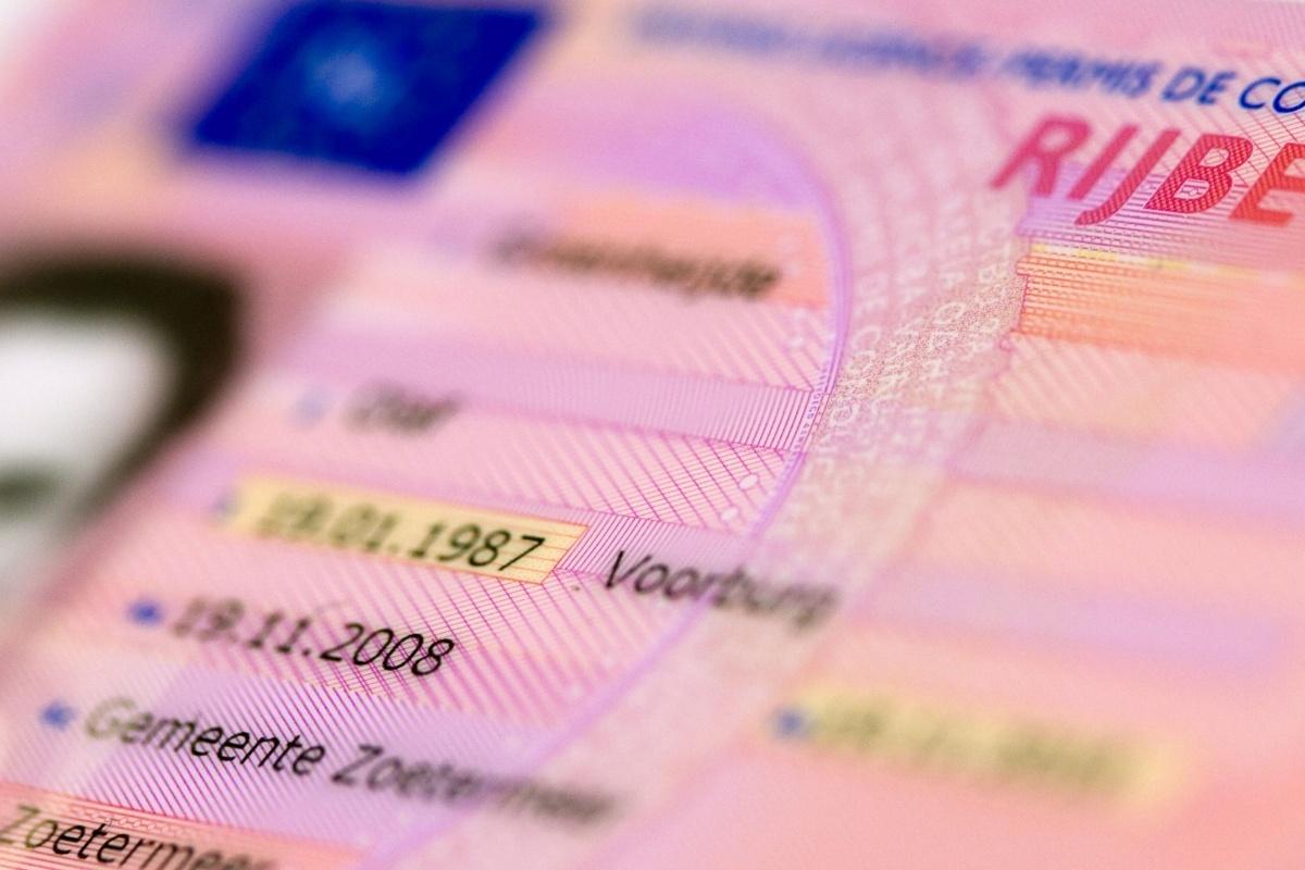 Wanneer ben ik mijn rijbewijs kwijt bij een snelheidsovertreding?
