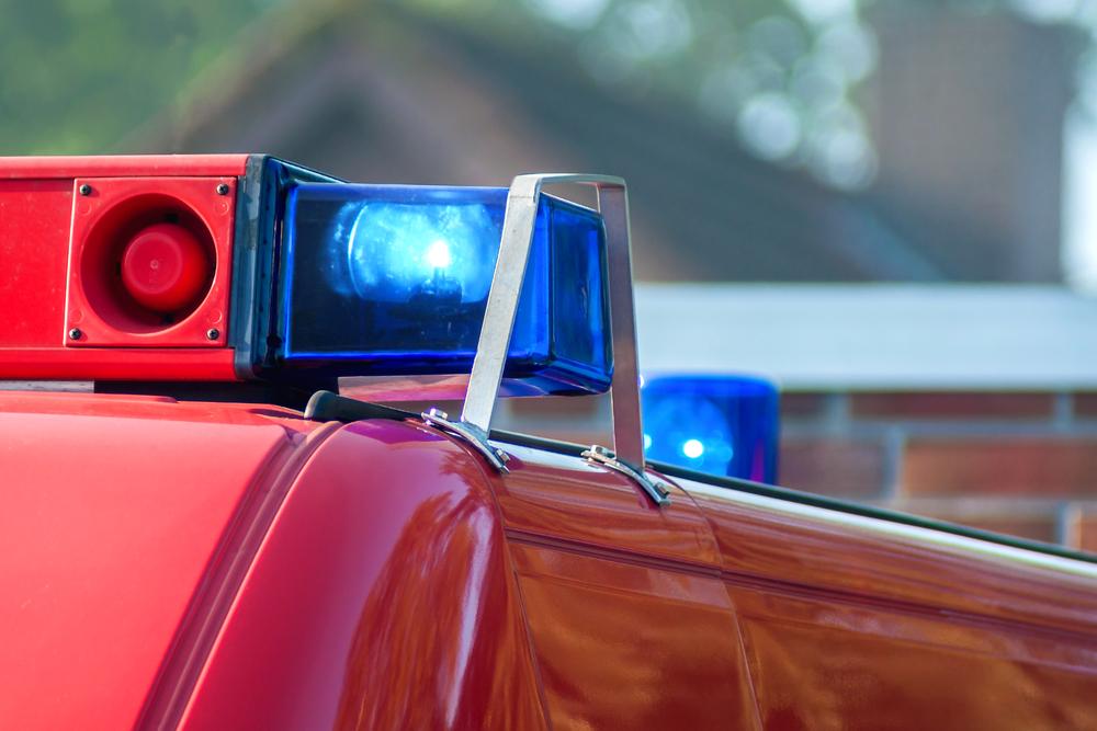 Bestuurder van bestelwagen zwaargewond na botsing met tractor in Hamont-Achel