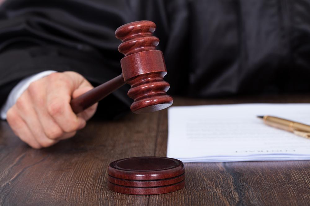 Rechtbank Tongeren - zes maanden cel voor inrijden op politieagenten