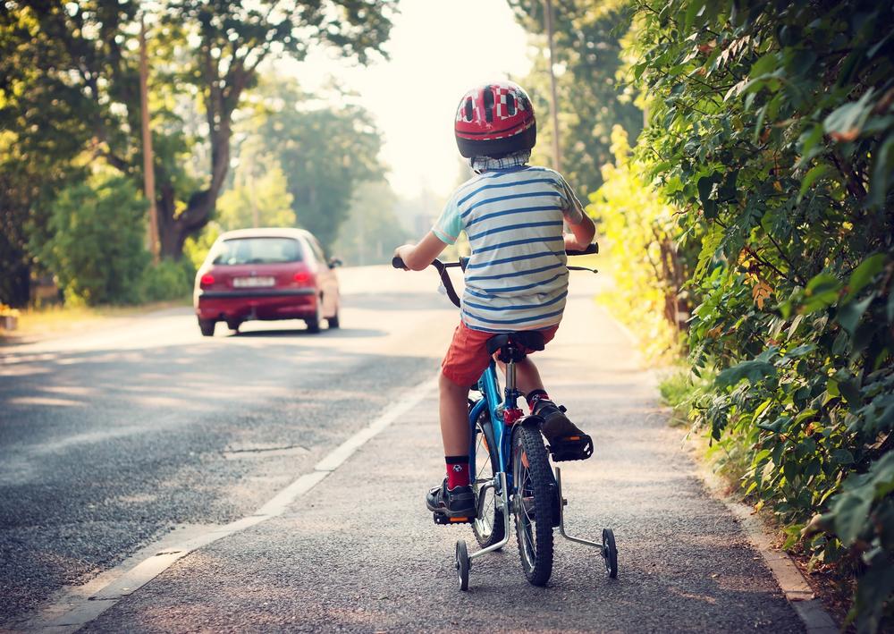 Fietsersbond tegen verplichte fietshelm tot 12 jaar